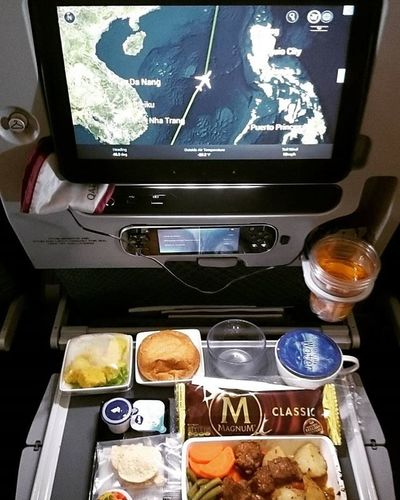 SIA flight lunch menu on Air✈✈ Incheon MyeongDong Springbreak2016 Vugraduation Seoul_korea