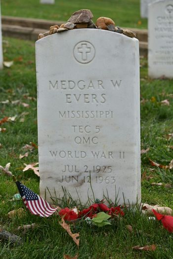 Amazed when I found the resring place of Civil Rights Activists Medgar Evers Civilrights CivilRightsMovement CivilRightsLeader Medgar Evers Paying My Respects Americanhero Veteran Rest In Peace Usmilitary Photooftheday Tadaa Community Taking Photos Eyemphotography EyeEm Best Shots Check This Out Nikonphotography