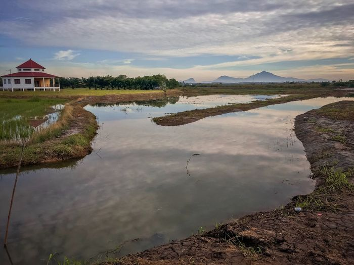 Water Tranquility Tranquil Scene Outdoors Nature Reflection Mountain Beauty In Nature Travel Destinations Landcsapes Lanscape Photography EyeEmNewHere Dramatic Landscape Malaysia Scenery Melaka Malaysia The World Heritage Paddy Field Wallpaper