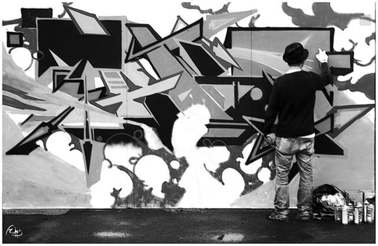 Sprayart Spraycans Spraydaily Cans Rsa_graffiti DSB_GRAFF DopeShotBro Graff Graffart Graffiti Grafflife Graffporn Graffitiworldwide Walls Murals Paris Photography Photographyblackandwhite Blackandwhite Streetbookorsay