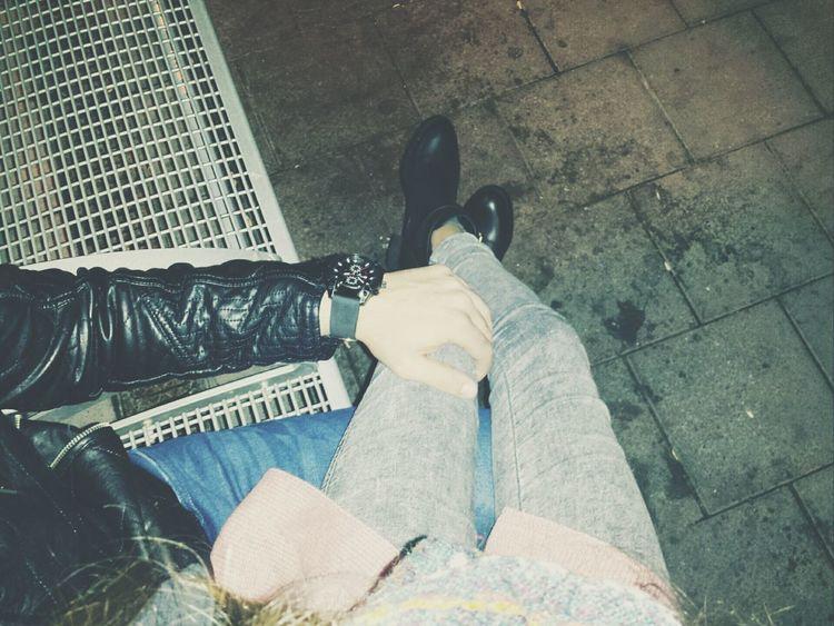 Lovecouple Trainstation Street Fashion SeniSeviyorum