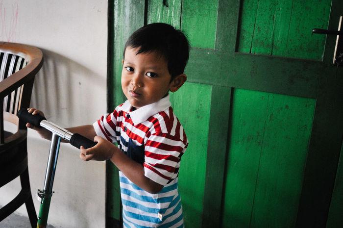 Yogyakarta, Indonesia. March 2016. Daily life in Yogyakarta. Building C Daily Life Indonesia_photography People Street Woman Yogyakarta