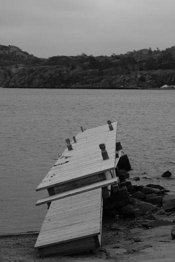 Tranquility Outdoors Sea Water Fujifilm FUJIFILM X-T2 Monochrome AcroS Eyeem Sweden Blackandwhite EyeEm Best Shots - Black + White X-t2 Sweden Svartvitt Eyeem Monochrome Fujifilm XT-2 Taking Photos Sotenäs No People Jetty Brygga Xshooter Nature Enjoying Life Hav