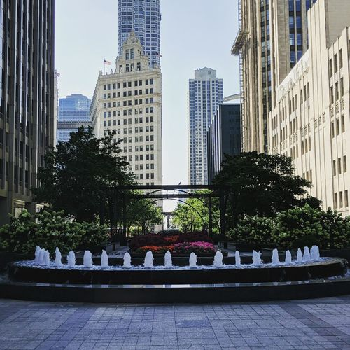 City Cityscape Urban Skyline Skyscraper Modern Tree Water Sky Architecture Fountain Tower Office Building Exterior Chicago First Eyeem Photo