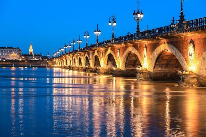 Pont de pierre over the garonne river in bordeaux, france