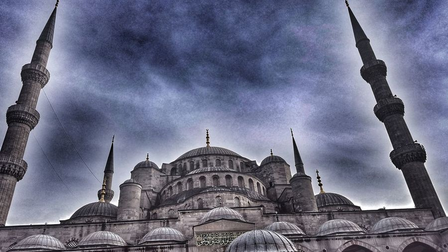Istanbul Eminönü Sultanahmet Sultan Ahmed Mosque Mosque Paris London Kiev First Eyeem Photo Followme Moscow Pilotseye Follow4follow EyeEm Best Shots Dome Architecture Religion Travel Destinations Built Structure Spirituality History Sky Building Exterior Outdoors