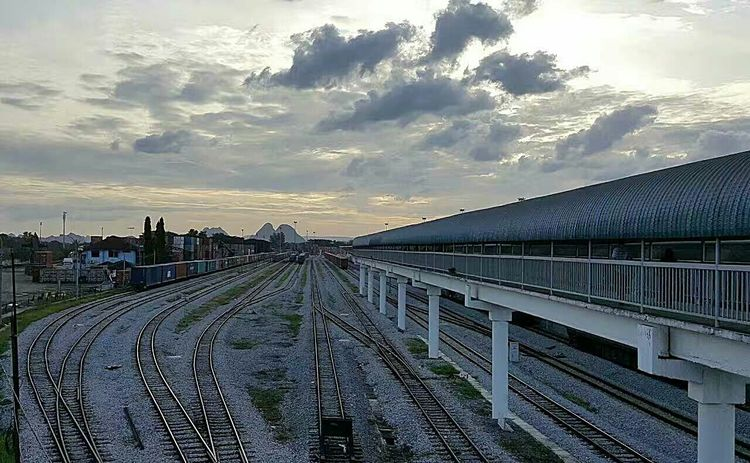 Cloud - Sky Built Structure Architecture Cityscape Business Finance And Industry Sky City Outdoors No People Day Rail Way Railroad Station Railways_of_our_world Railroad Crossing Rail Road Rail Railroad Love Railing Rail TransportationRailway Signal Railroad Bridge Railway Track Rail