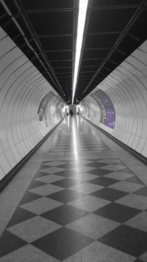 Notes From The Underground März 2014 Teilweise Farbig Subway
