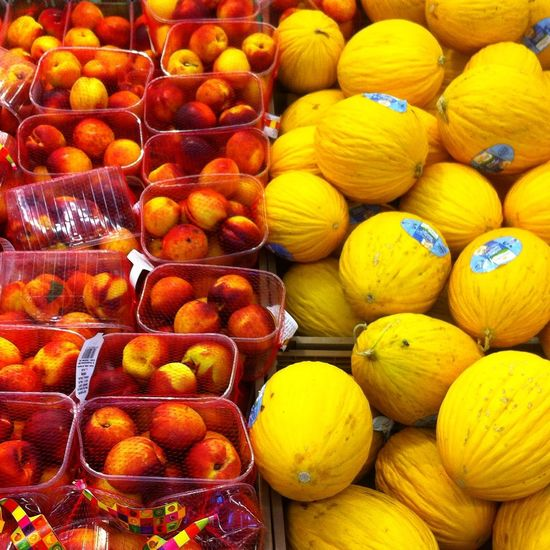Freshness Fruit Orange - Fruit Healthy Eating Lemon Citrus Fruit Retail  Market Stall Market For Sale Food No People Large Group Of Objects Yellow Full Frame Day Outdoors