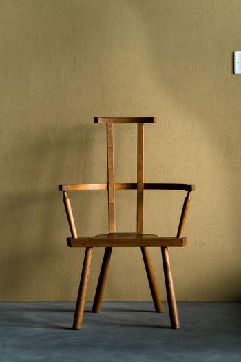 ひっさびさ(^ ^) Absence Chair Close-up Empty Geometric Shape Indoors  No People Seat Shadow Single Object Wall - Building Feature