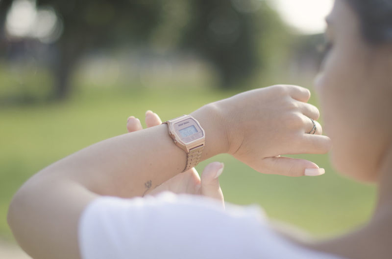 Hand Human Hand Human Body Part Watch Adult Real People Time One Person Day Focus On Foreground Body Part Close-up Wristwatch Women Lifestyles Nature Men Selective Focus Holding Outdoors Finger Human Limb