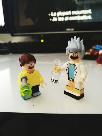 RickAndMorty Rick And Morty LEGO Minifigures Minifigs Toys Alcohol Alcoholic Drink Xxxx Beer Lego Minifigures Macro Photography