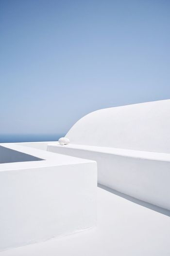 Bliss Architecture Vacations Simplicity Minimalist Architecture Minimalism EyeEm Selects The Week on EyeEm EyeEm Best Shots The Great Outdoors - 2018 EyeEm Awards The Architect - 2018 EyeEm Awards The Traveler - 2018 EyeEm Awards Greek Islands Architecture Santorini, Greece Day No People White Color Clear Sky Architecture Copy Space Nature Blue Outdoors Whitewashed Built Structure Tranquil Scene Tranquility The Architect - 2018 EyeEm Awards 50 Ways Of Seeing: Gratitude 17.62° The Architect - 2019 EyeEm Awards