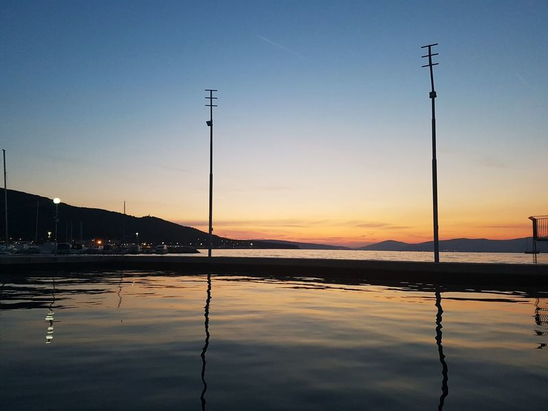 Water Reflection Sunset Sky Nature Beauty In Nature Scenics Outdoors Sea Adriatic Sea No People Silhouette Blue Mountain Landscape Evening Evening Sky EyeEmNewHere Horizont  Beach Horizon Over Water Tranquility EyeEm Nature Lover Eyeemphoto