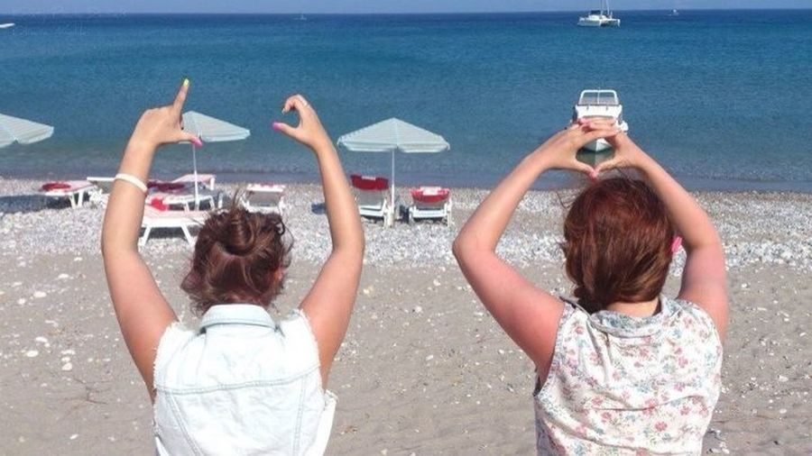 Summer In Greece Wiv Bffs