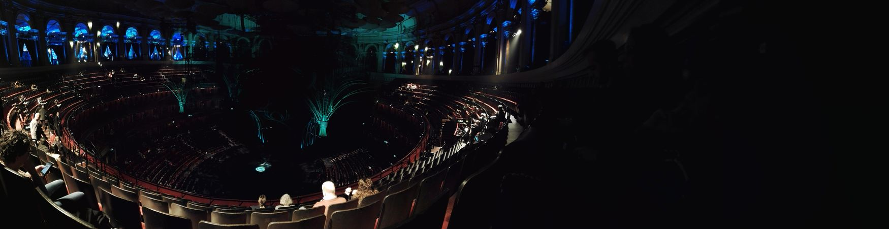 Great View Great Atmosphere Grand Building Wonderful Many People Interior Design Amazing Experience
