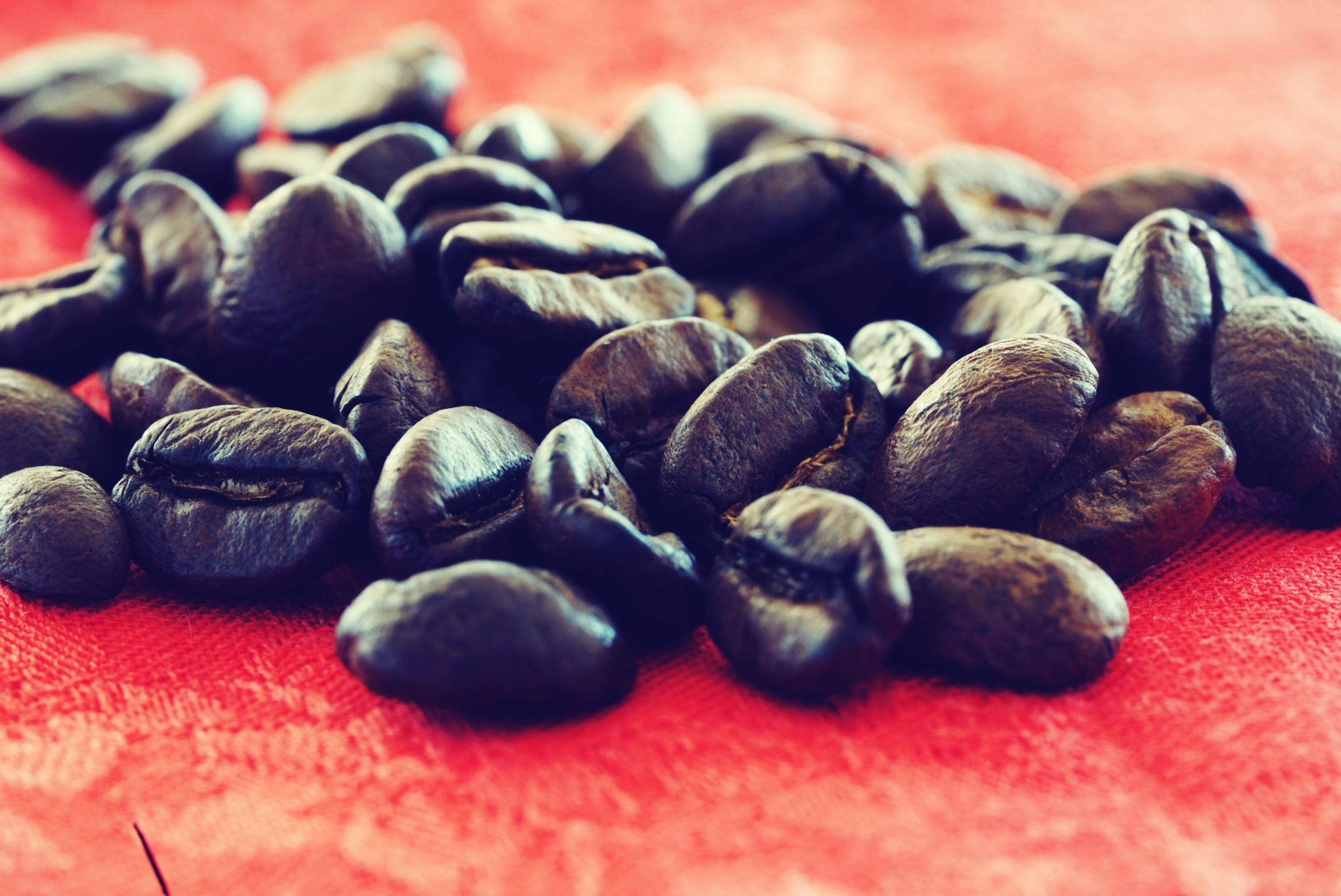 food and drink, food, close-up, still life, freshness, large group of objects, no people, selective focus, indoors, healthy eating, wellbeing, red, focus on foreground, table, roasted coffee bean, coffee - drink, abundance, brown, group, coffee, caffeine