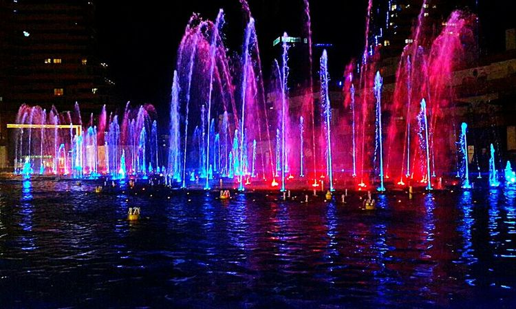 Fountain Water Motion Night Long Exposure Waterfront Spraying Splashing Travel Destinations Illuminated Waterfall Flowing Water Tourism Scenics Glowing Outdoors Majestic Vacations Tranquility Pink Color NightphotographyEnjoying Life Taking Photos Hanging Out Night Lights