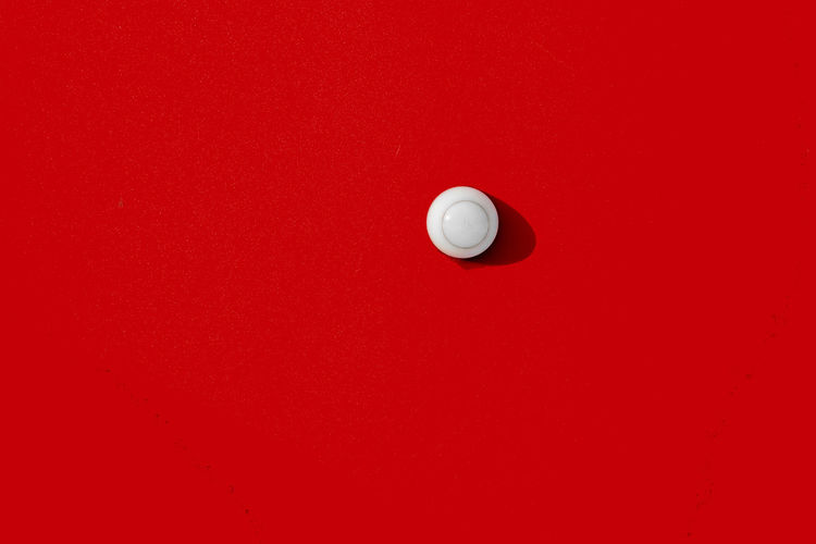Ball Close-up Cue Ball Indoors  Minimal Minimalism No People Pool - Cue Sport Pool Ball Pool Cue Pool Table Red Red Red Background Snooker Minimalist Architecture