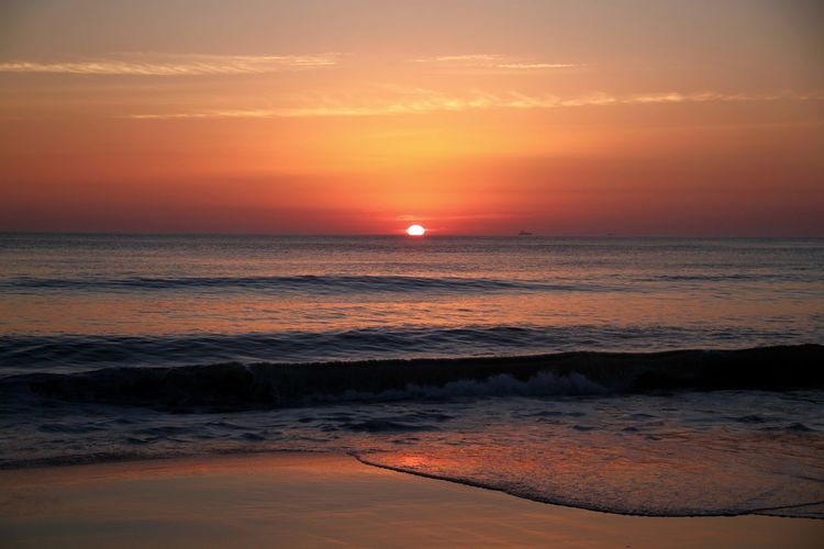 Morning Light Morning Sky USA Virginia Beach Awe Backgrounds Beach Beauty In Nature Dramatic Sky Horizon Horizon Over Water Landscape Nature No People Ocean Orange Color Scenics Sea And Sky Sun Sunrise_sunsets_aroundworld Sunset Travel Destinations Vacations Water Wave