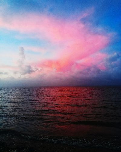 6.16am Mobilephotography Hampshire  Mobile Photography Portsmouth Minimalism Water Sea Multi Colored Sunset Beach Red Dramatic Sky Sky Horizon Over Water Cloud - Sky Atmospheric Mood Sky Only Cumulus Forked Lightning Meteorology Cloudscape Cumulus Cloud