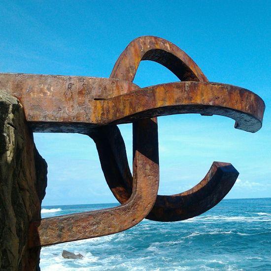 Esperando a Eolo... Sculpture Taking Photos Travel Photography Donosti