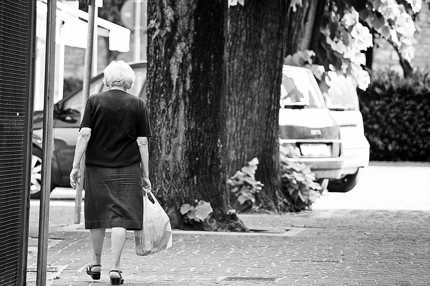 Streetview Street Life Black_white NEM Black&white Street Streetphoto Street Portrait Street Photo Old Man B&w Street Photography Streetphoto_bw Street Photography Streetphotography Blackandwhitephoto Blackwhite Black And White Collection  EyeEm Best Shots - Black + White Black And White Photography Blackandwhitephotography Blackandwhite Photography Black&white Black & White Black And White Blackandwhite EyeEm Black&white!