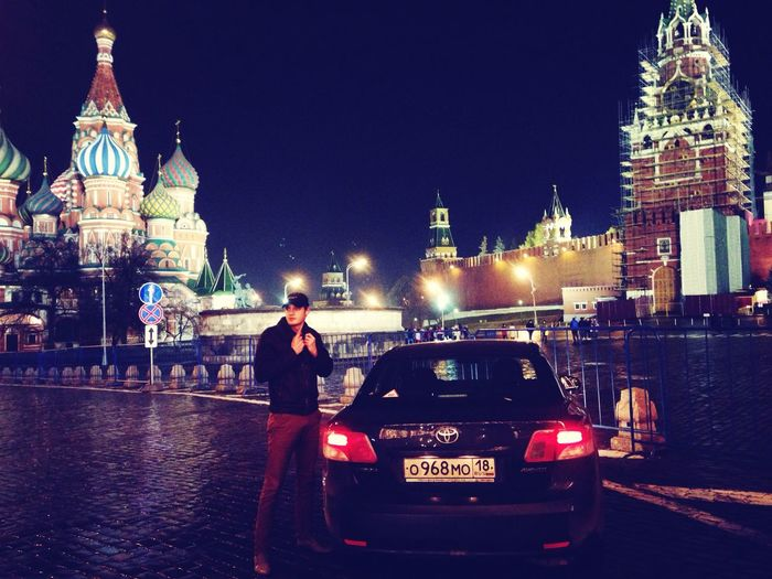 Кремль тойота авенсис Ночь