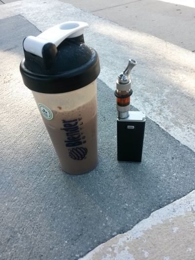 VapeLife Blenderbottle Proteinshake Breakfast Vapecommunity my first Variablevoltage Variablewattage Vape Mod No Smoking