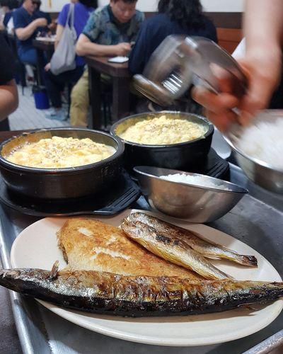 Three types of Fish minimum order ₩16,000 (aboiut USD 16) Korean Food Foodphotography Namdemun Market 1414 Food Alley Hairtail Cutlass Steamed Eggs Tripwithson2017 Tripwithsonmay2017 Seoul South Korea