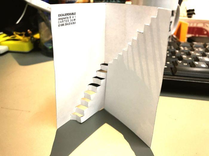 紙で階段。