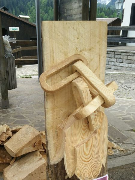 Chain Wood - Material Wood Sculpture