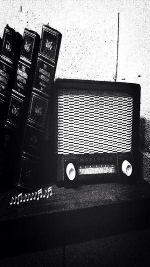 レトロなレディオ Black And White Radio STRANGE ASPECTS