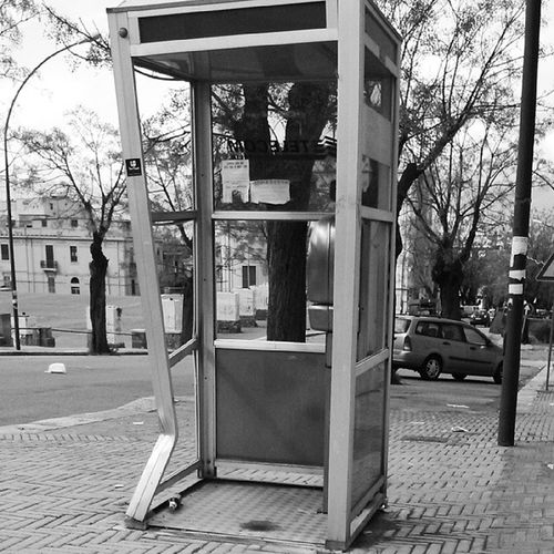 ♬I'm at the Payphone trying to call home♪ All of my change I spent on you.♬ Lss