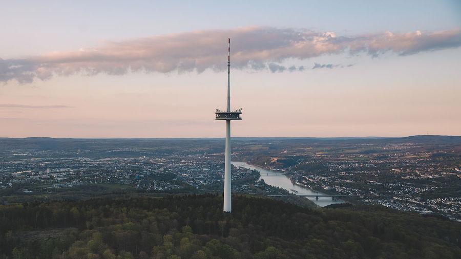 Luftaufnahmen eines Überfluges it der propellermaschine Über koblenz.