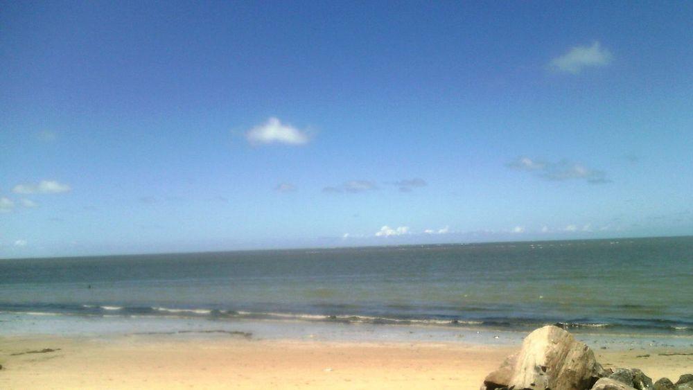 Mar e sol. ^^ Ü praia de maria farinha, beach in maria farinha.