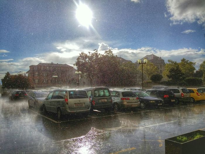La pluie sous le soleil! Pluie Sous La Pluie Soleil Hello World Relaxing Photographie  Eyemphotography LGG3 Lausanne Suisse