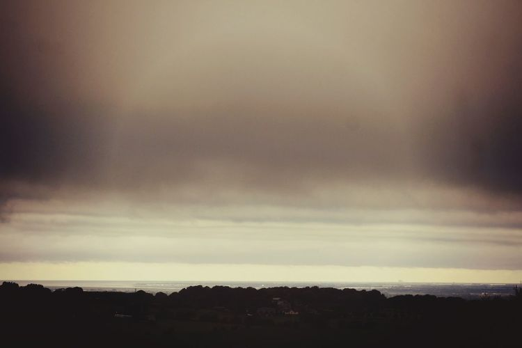 Oppresive Weather Dullday Foggy Nature EyeEm Nature Lover This Weekend Wide Shot Horizon Over Land Dramatic Sky