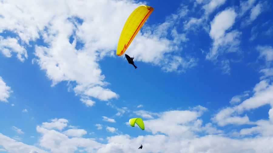 Segelfliegen Segelflieger Fly Flying Fly High Blue Sky Sky And Clouds Glider Gliding Blauer Himmel Wolken Wolkenhimmel Sun Is Shining Sun Sunshine Sonne Sonnig Harz Harzreise EyeEm Best Shots EyeEmBestPics Enjoying Life Hanging Out Hello World Hanging Out