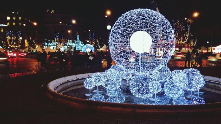 Christmas 2014 lightings @ Champs Elysees Paris. Http://www.ChampsElysees-Paris.com Champselysées ChampsElyseesParis Champs Elysees Champs-Élysées  Paris, France  Paris Je T Aime Paris ❤ ParisByNight Rondpointchampselysees France