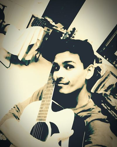 Selfie ✌ My Guitar ♡ Music Lover...♥ Musicismylife Guitarist Guitar Love Selfie ♥ Smile ✌ Love It