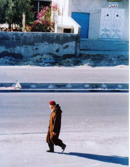 Berber man Strolling Berber Man Traditional Coat Outdoors Everyday Lives