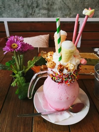 Frozen Food Sweet Food Flower Ice Cream Table Dessert Indoors  No People Wood - Material Indulgence Freshness Cold Temperature Close-up Food Scoop Shape Day Ready-to-eat