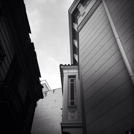EEA3 EEA3 - Athens The Architect - 2015 EyeEm Awards Urbanphotography Architecture Architecture_bw IPhoneography Black & White Hipstamatic AMPt_community