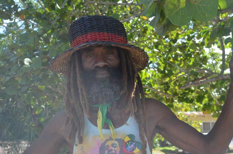 Puff Puff pass:-)) Rastaman .... Rastaman Rastafari Jamaican Vibes