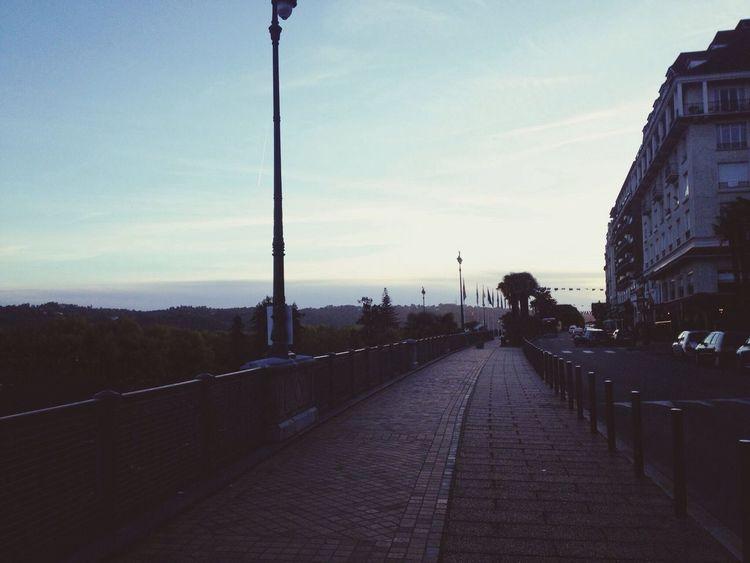 City Sunset Pau Boulevard