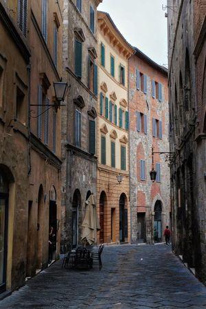 I see you Toscana Tuscany Italy Italia Italy Siena, Italy Siena Building Exterior Architecture Built Structure Building City Street The Traveler - 2018 EyeEm Awards