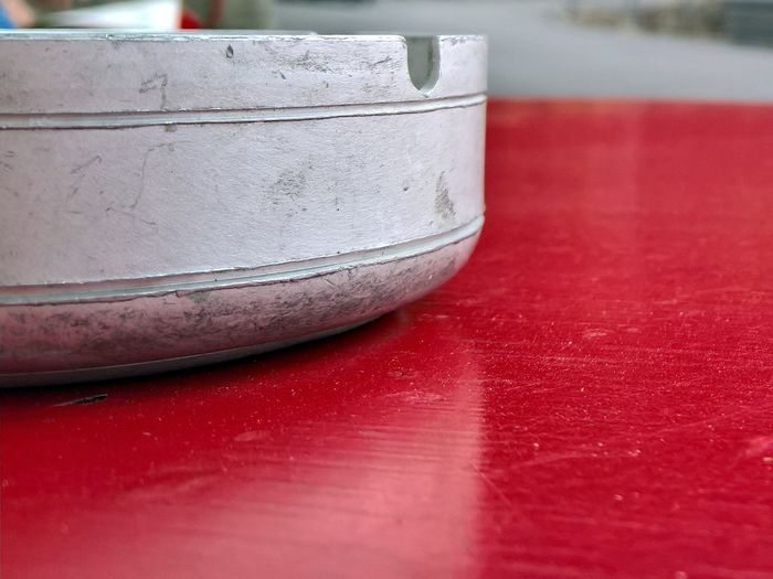 Ashtray  Aluminium Metal Steel Blurred Background Close-up Depth Of Field Detail Dirty Focus On Foreground Old-fashioned Part Of Pattern Simplicity Single Object Table Red Macro_collection The Architect - 2016 EyeEm Awards