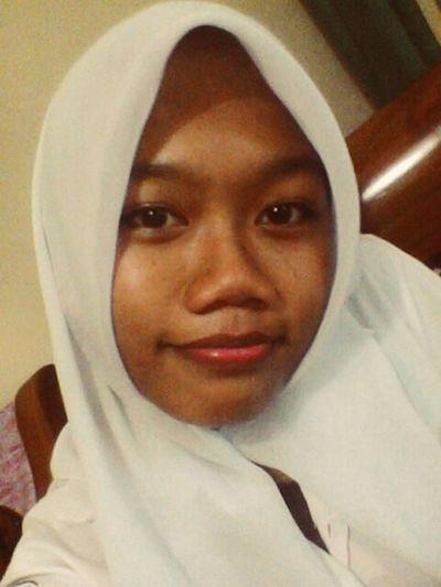 Instagram That's Me Hijabers INDONESIA Girl Juniorhighschool 샤이니 에세메타운 이진기 이태민 #최민호 #김기범 #김종현
