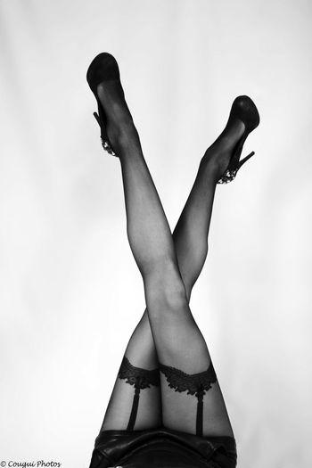 © Cougui Photos Tous droits réservés Instagram : Cougui_Photos Snap : Cougui https://www.facebook.com/cougui.photos http://couguiphotos.c4.fr Amateur Amateurphotography Black & White Black And White Blackandwhite Collant Cougui Cougui Photos Femme Jambes Legs Legs_only Lingerie Noir Et Blanc Photographe Photographer Photoshoot Sensual_woman Sensuality Shooting Studio Studio Photography Studio Shot Underwear😈 Women